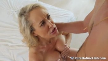 Amateur Real Arab Muslim Masturbates Her Hairy Pussy On Webcam
