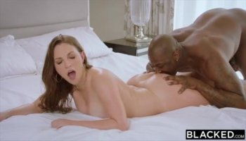 Ambitious nubian queen wants to be fingered and drilled